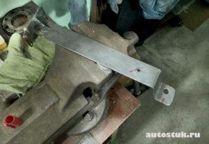 как сделать подлокотник для авто
