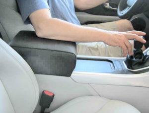 удобный подлокотник для авто