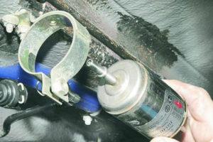 топливный фильтр заменить